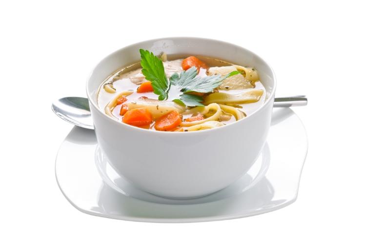Erişte ve Sebzeli Tavuk Çorbası Tarifi