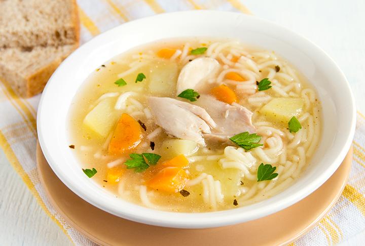 Havuçlu Şehriyeli Tavuk Çorbası Yemek Tarifi