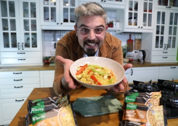 Uğur Kardaş ile Knorr Çabuk Noodle: Körili Noodle Tarifi