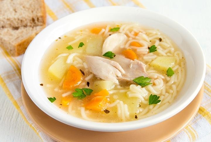 Havuçlu Şehriyeli Tavuk Çorbası Tarifi