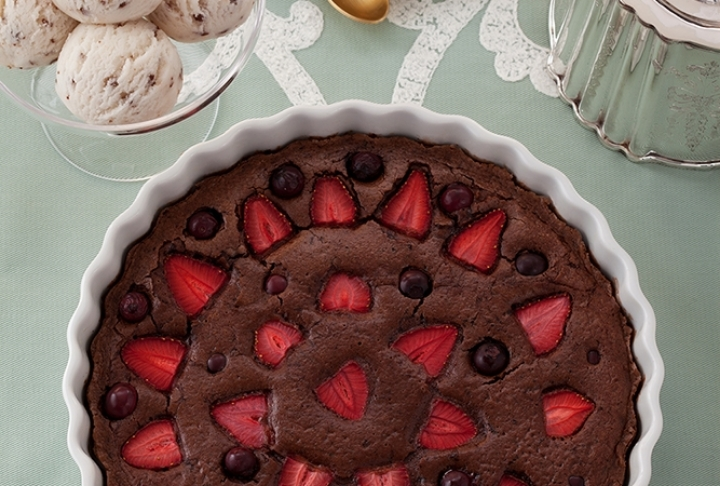 Çilekli ve Çikolatalı Clafoutis