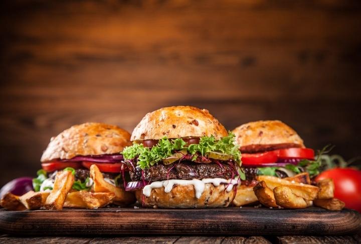 Labne Peynirli Hamburger