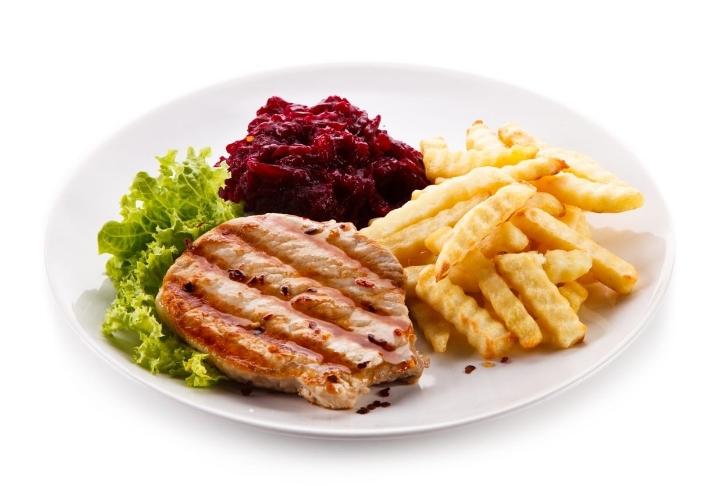 Pancarlı Humus ile Antep Fıstıklı Tavuk Pirzola