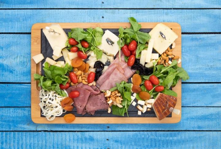 Peynir ve Şarküteri Tabağı
