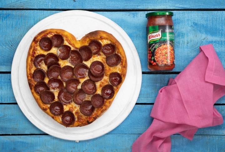 Kalp Şeklinde Pizza