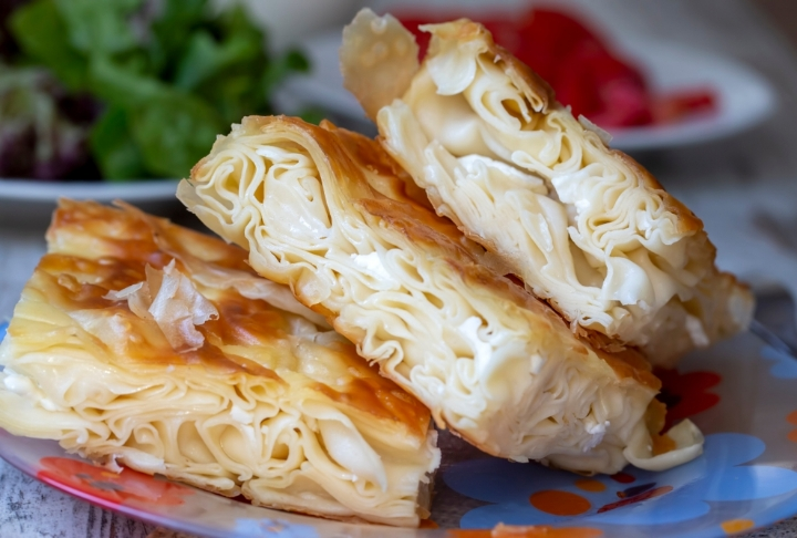 Peynirli Sodalı Börek