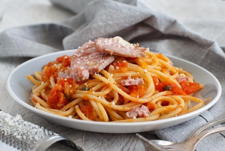 Ton Balıklı Domatesli Spaghetti