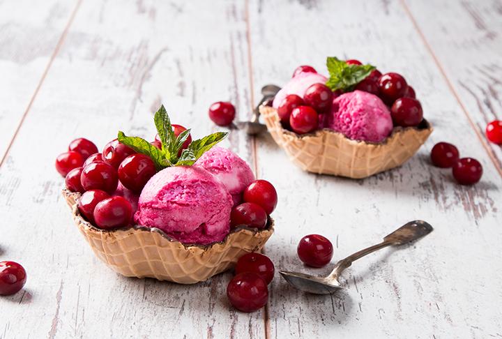 Vişneli Dondurma Tarifi
