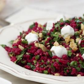Sofranıza Renk Katacak: Şalgamlı Bulgur Salatası Tarifi