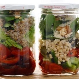 Kavanozda Salatalar