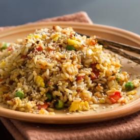 Sizin İçin Uzaklardan Geldi: Kızarmış Pilav (Fried Rice) Tarifi