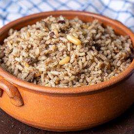 Davet Sofralarının Vazgeçilmezi: Kuş Üzümlü Pirinç Pilavı Tarifi