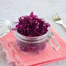 Rengi Güzel, Kalorisi Düşük: Lokanta Usulü Mor Lahana Salatası Tarifi