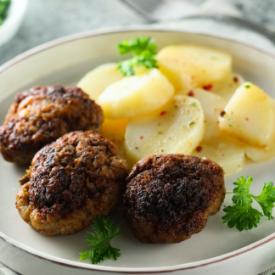 Kuru Köfte ve Patates Salatası