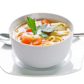 Erişte ve Sebzeli Tavuk Çorbası