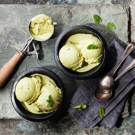 Ferahlık Deyince Aklımıza Gelen İkili: Naneli Dondurma Tarifi