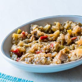 Köz Aromasına Doyuyoruz: Közlenmiş Patlıcan Salatası Tarifi
