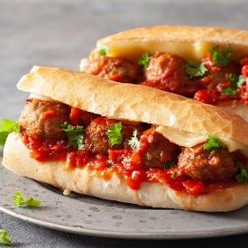 Sandviçlerin En Güzeli: Köfte Ekmek Tarifi