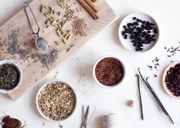 Baharat ve Taze Meyvelerle Evde Hazırlayabileceğiniz Çay Tarifleri