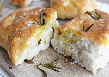 İtalyanların Yumuşacık Ekmeği: Focaccia