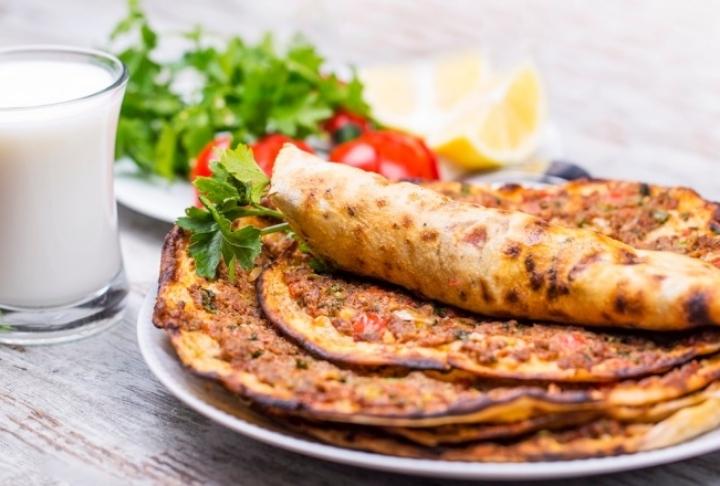 Türk Pizzası: Lahmacunun Tarihi